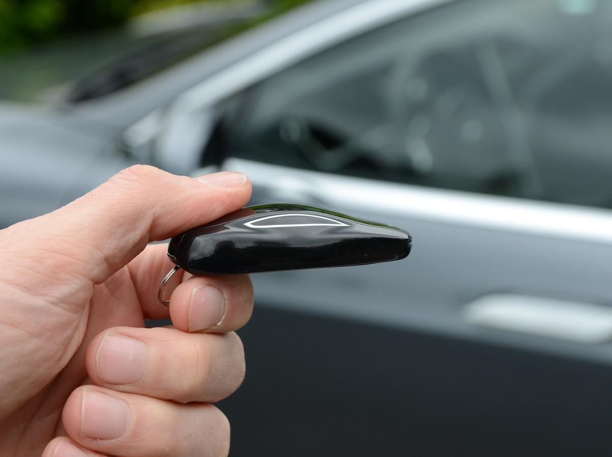 Ahli Kunci Bekasi Service Remote Mobil