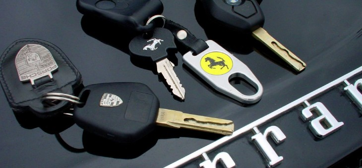 Ahli kunci mobil